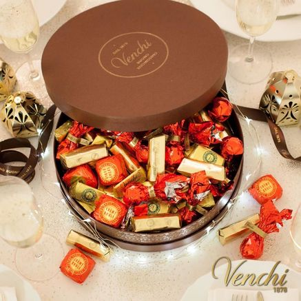 Giandujiotti, Noaugatine e cioccolatini vari.