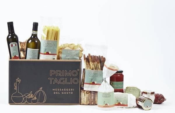 Alcuni dei prodotti Primo Taglio contenuti in un box regalo