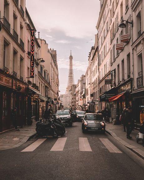 La card per visitare Parigi in lungo e largo