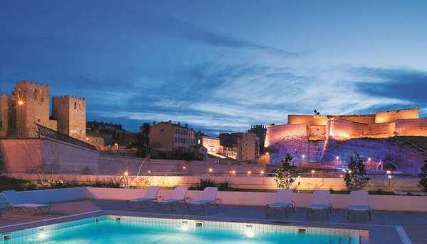 Radisson Hotels Radisson Blu piscina all'aperto