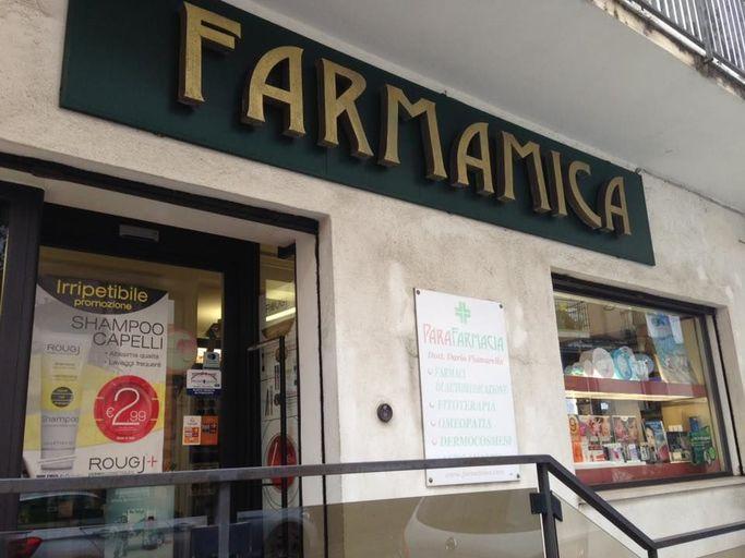 Il negozio fisico di Farmamica