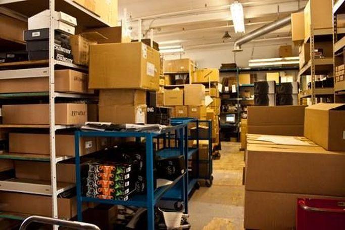 Il magazzino di Alensa.it, uno dei più grandi in Europa