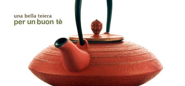 Una teiera da utilizzare nella preparazione del tè