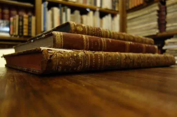 Foto di libri antichi del catalogo di AbeBooks