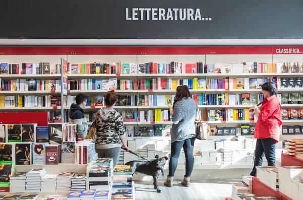 Fotografia del Mondadori Store di Venezia