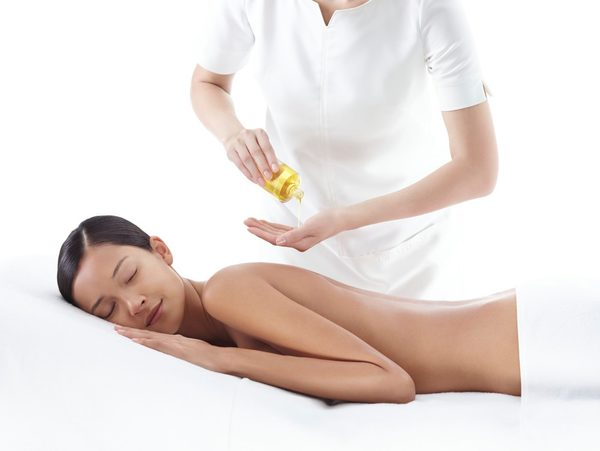 La storia di Clarins olio da massaggio