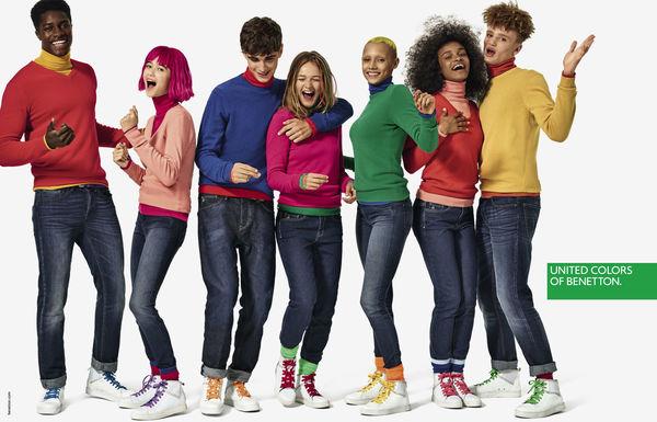 una tipica campagna Benetton multicolore e multirazziale
