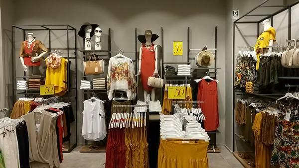 Proposte moda donna punto vendita Piazza Italia